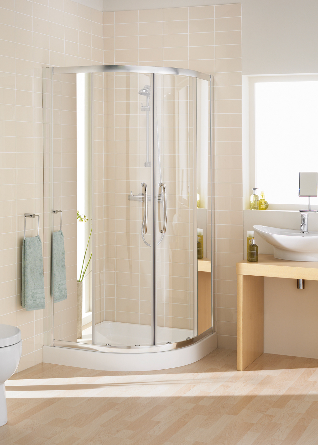 Mirror: Single Rail Offset Quadrant shower enclosure