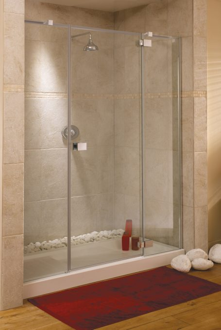 Frameless rimini alcove shower enclosure