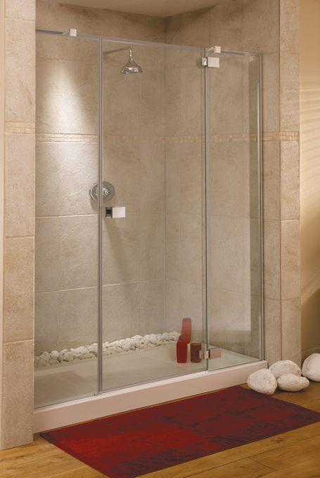 Frameless rimini alcove shower enclosure
