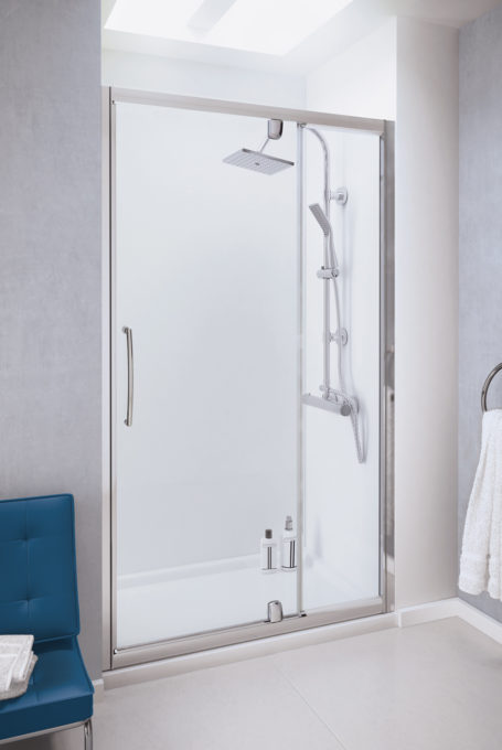 Semi-Frameless Pivot Door with integrated In-line Panel