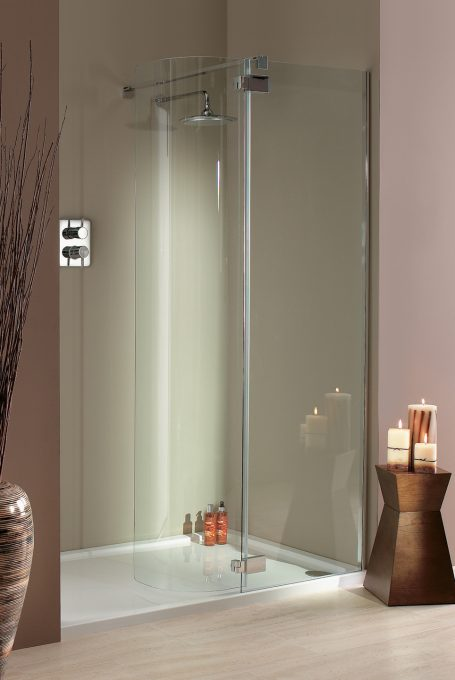 Torino shower enclosure with hinged doors