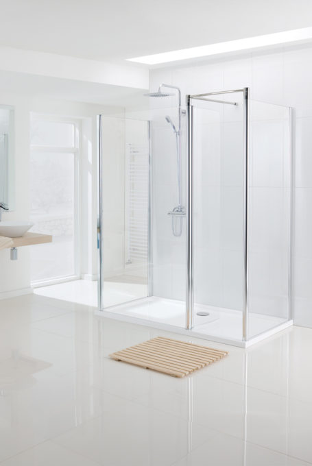 semi-frameless Walk In shower enclosure